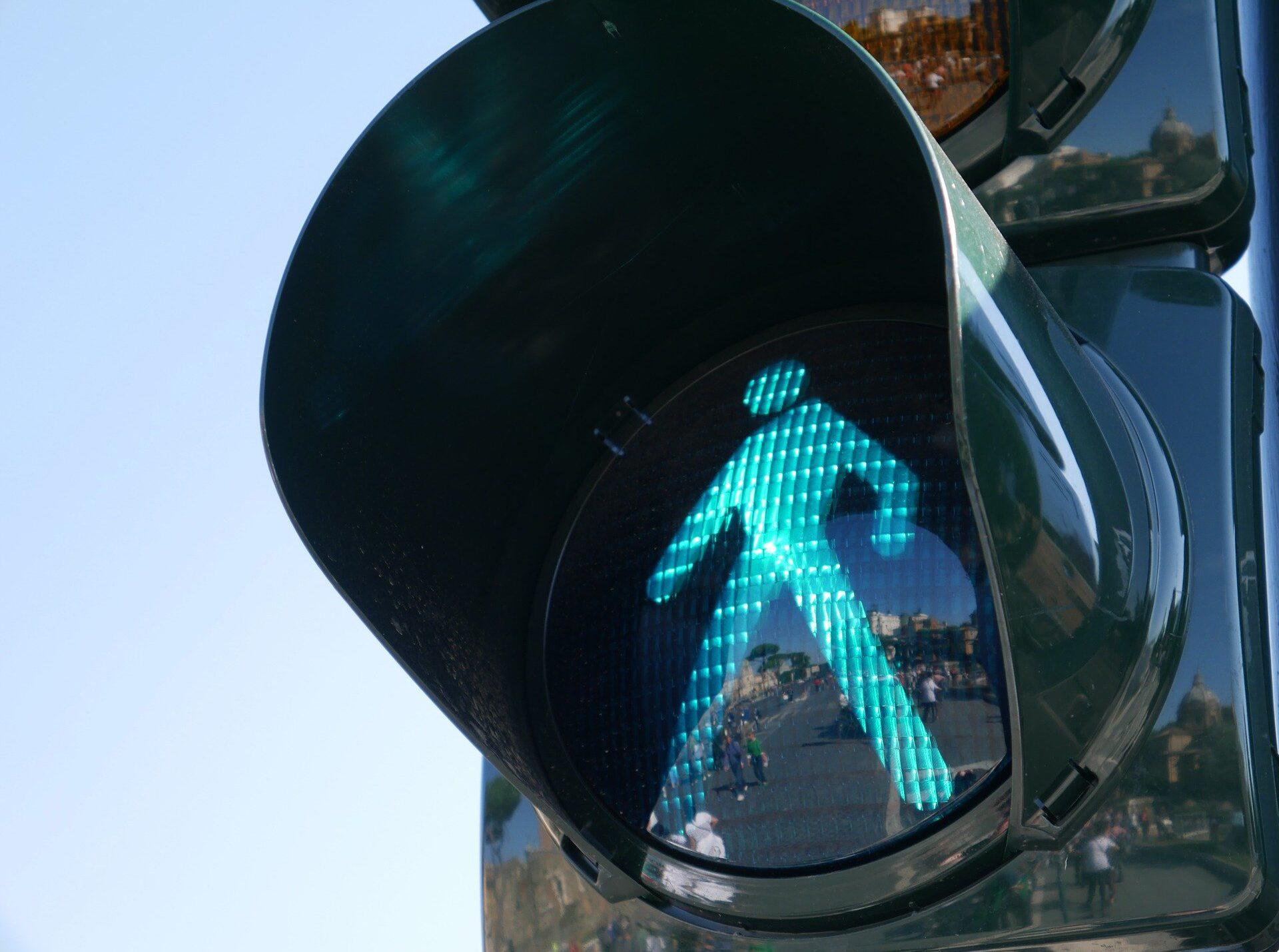 traffic-light-1024768_1920.jpg
