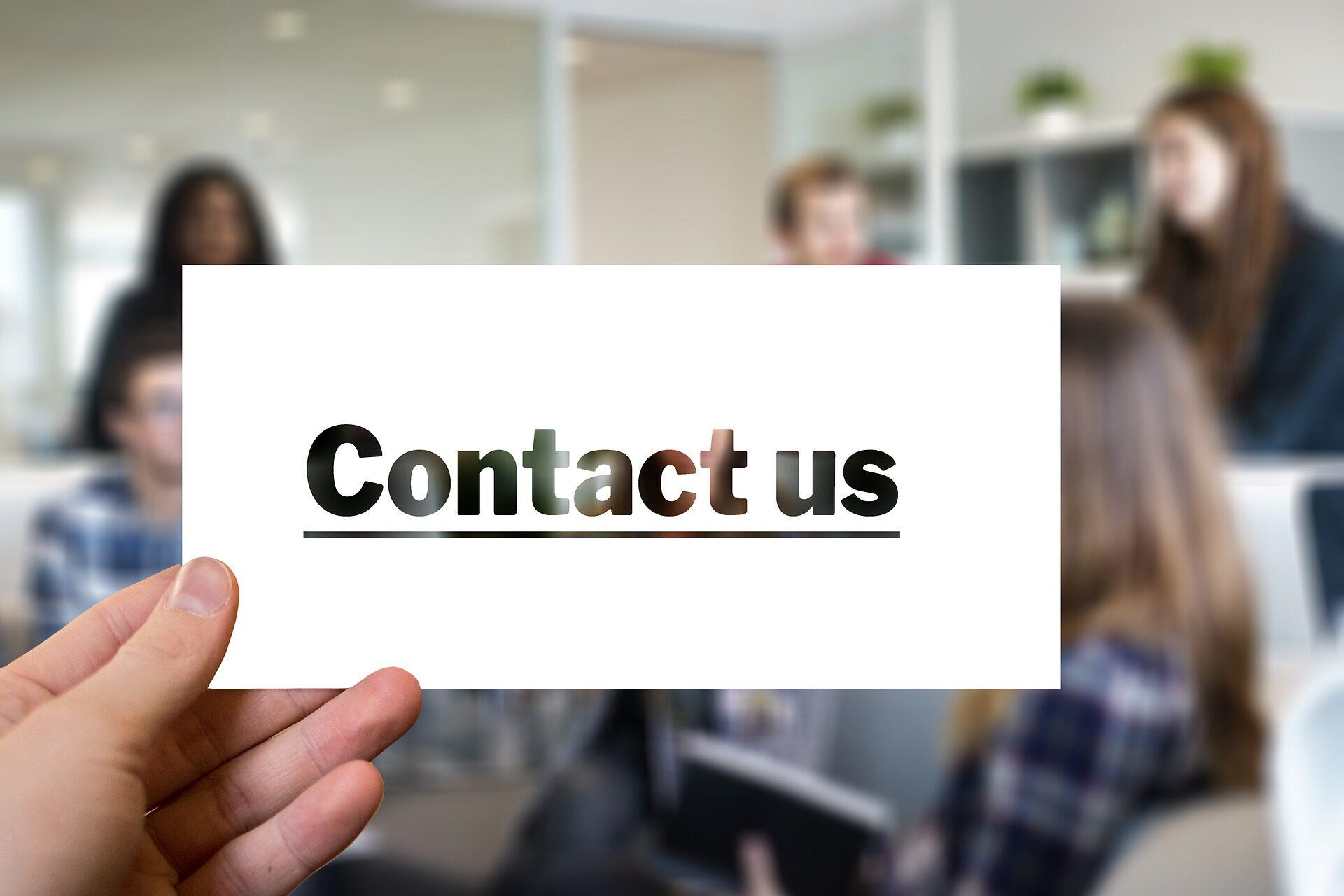 contact-2860030_1920.jpg